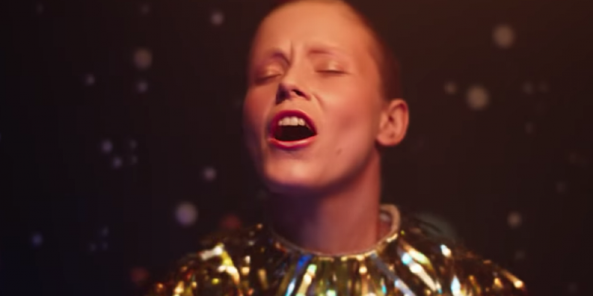 alice-phoebe-lou-galaxies-song-release-music-video
